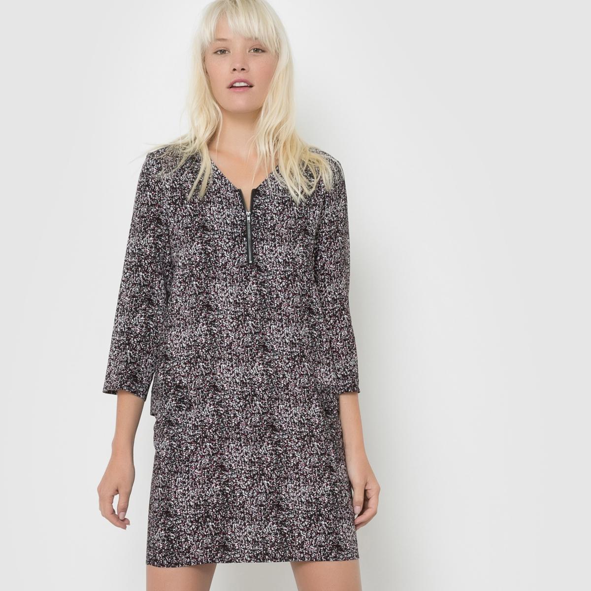 Платье прямого покроя из струящейся тканиСостав и описаниеМатериалы : 100% вискозыМарка : Best MountainУходСоблюдайте рекомендации по уходу, указанные на этикетке<br><br>Цвет: черный наб. рисунок<br>Размер: S.M