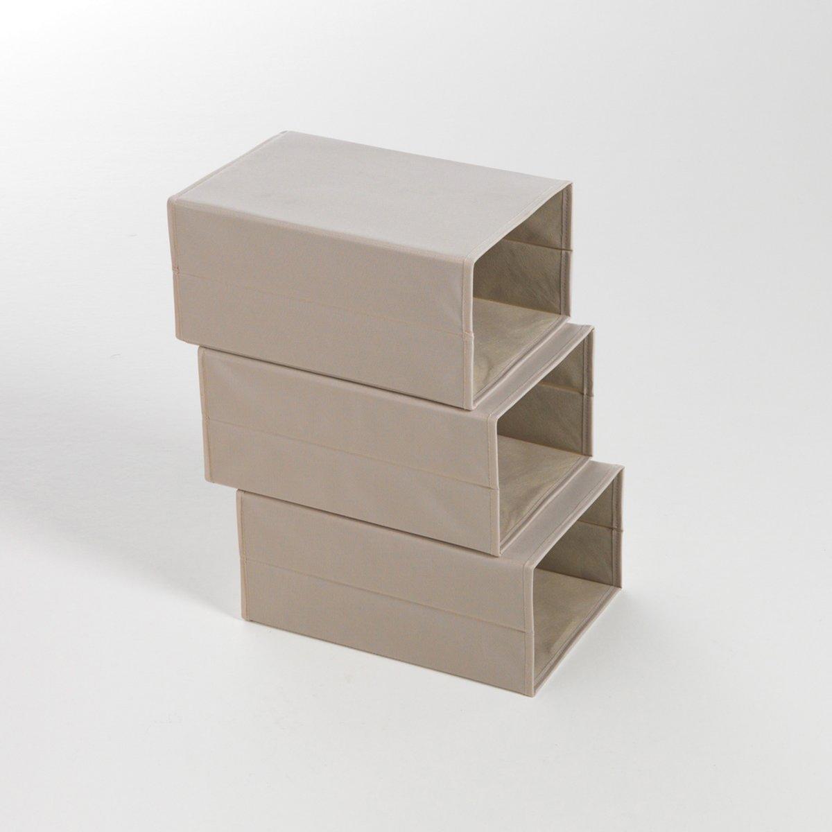 Комплект из 2 складных коробок для хранения обувиКоробки для хранения вещей незаменимы для наведения порядка и защиты Вашей обуви. Можно устанавливать друг на друга для экономии пространства в шкафу.Характеристики коробки для хранения вещей :- Из твердого картона, покрытого полиэстером, цвет экрю. Описание коробки для хранения вещей :- Складывающаяся для легкого хранения.- Открывается спереди для легкого доступа.Коробка поставляется готовой к сборке, инструкция прилагается.Размеры :  -  Ш.23,5 x В.16,5 x Г.35,5 см.<br><br>Цвет: серо-коричневый каштан