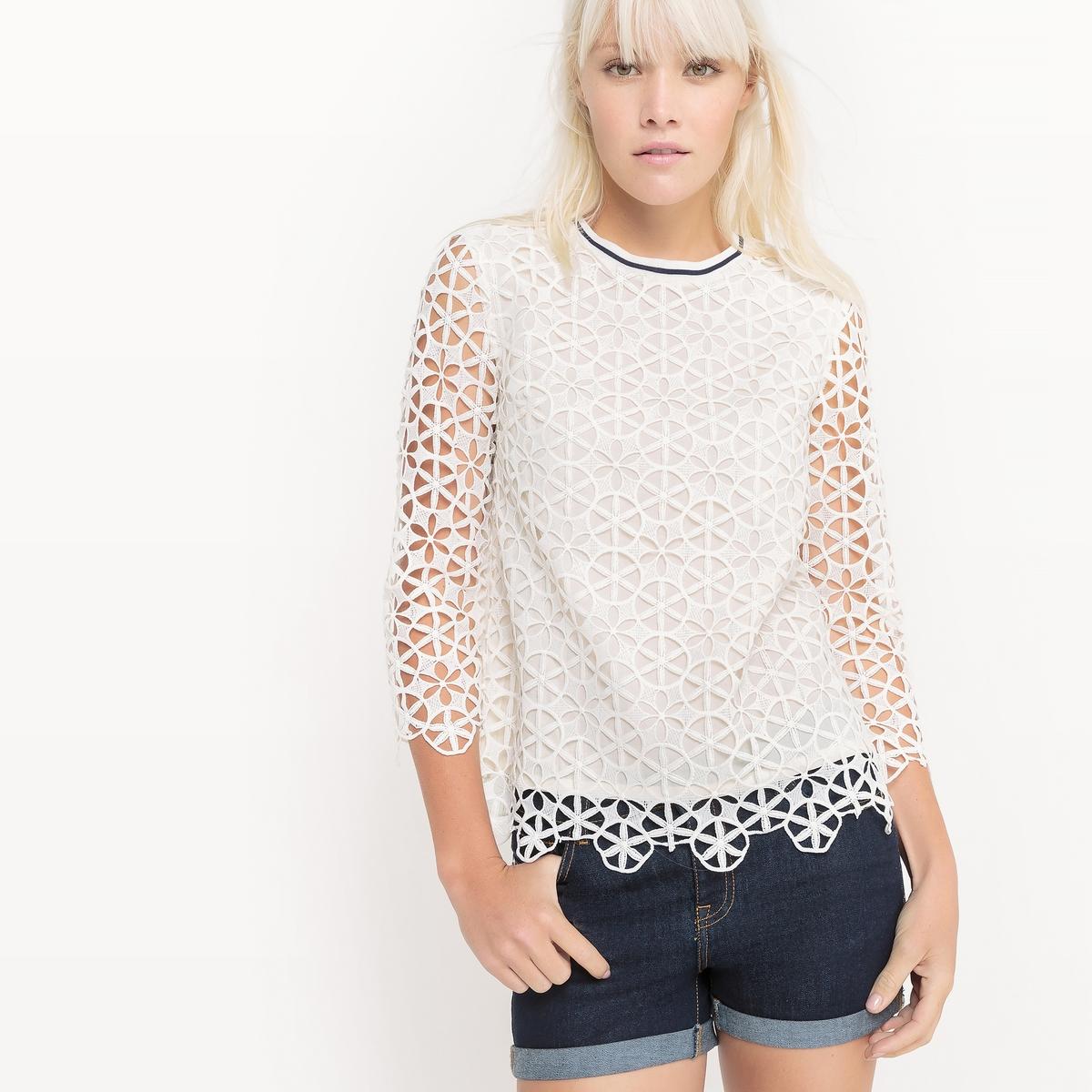 Блузка из кружева с рукавами ¾ и контрастным вырезом блузка с квадратным вырезом со вставкой из кружева