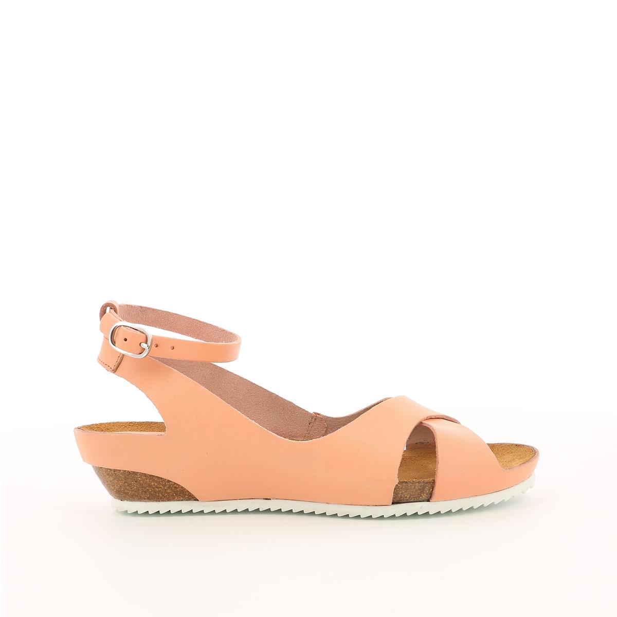 Sandálias em pele, Toki