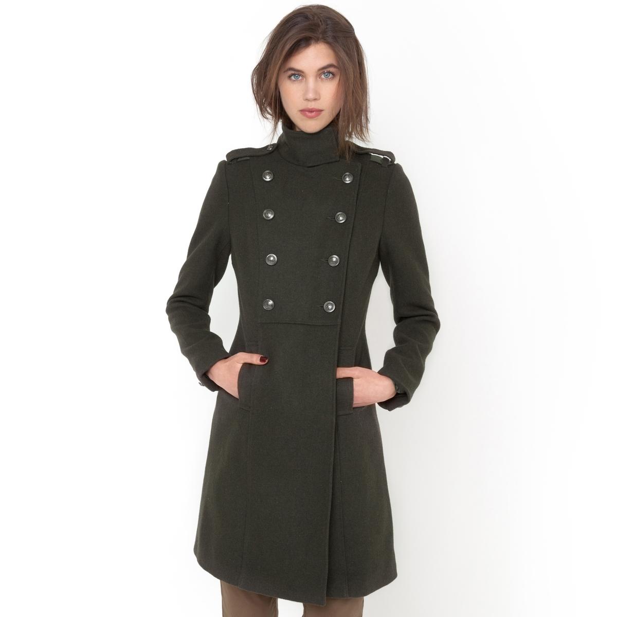 Пальто, 45% шерстиВоротник-стойка и манжеты на пуговицах. Металлические пуговицы.Двубортная планка на пуговицах. Длина 95 см.<br><br>Цвет: хаки<br>Размер: 38 (FR) - 44 (RUS)