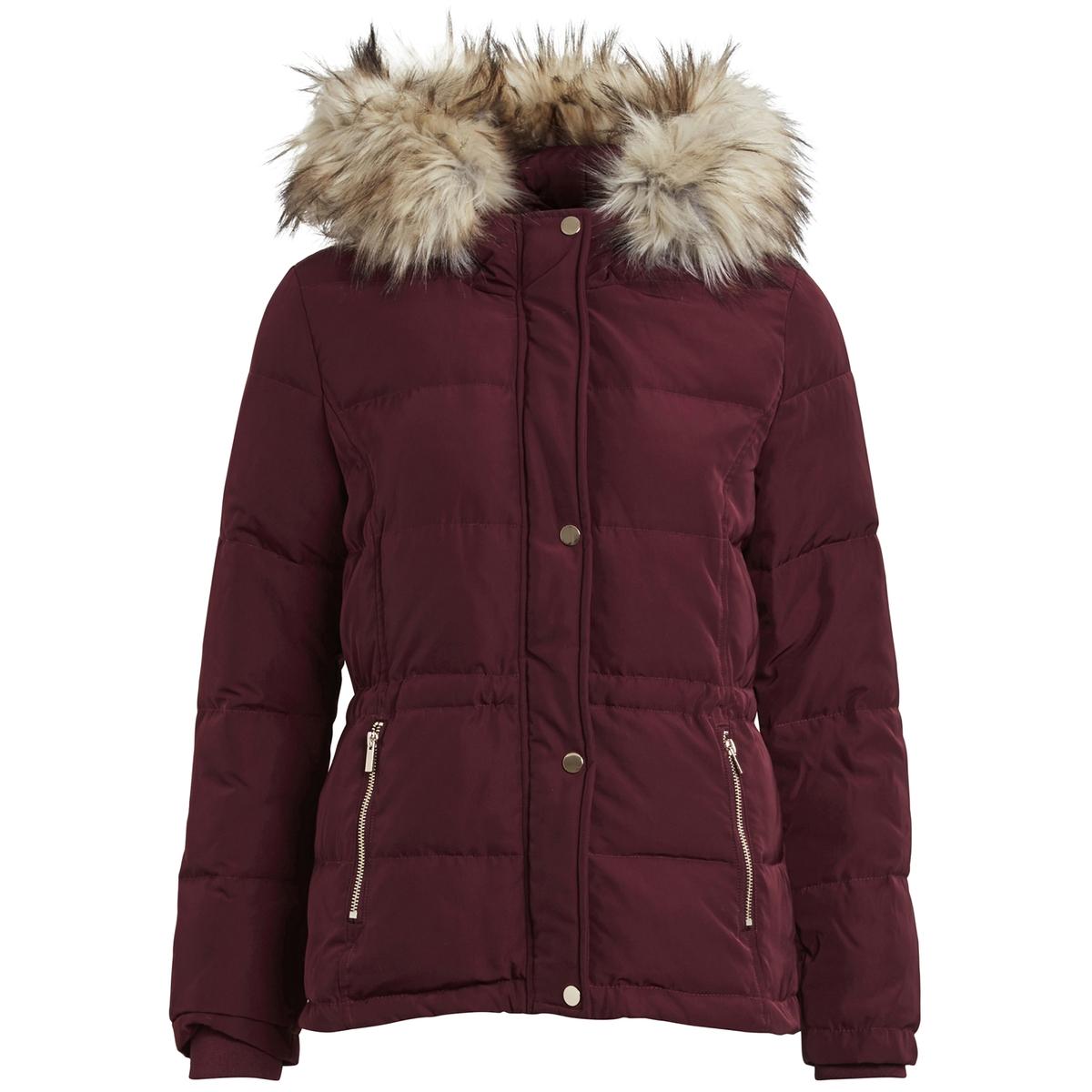 Куртка стеганая с капюшономОтличная куртка для первых холодов . Модный капюшон с оторочкой мягким искусственным мехом. Вы будете выглядеть современно в этой куртке Детали •  Длина : средняя •  Капюшон •  Застежка на кнопки •  С капюшономСостав и уход •  100% полиэстер •  Следуйте рекомендациям по уходу, указанным на этикетке изделия<br><br>Цвет: бордовый<br>Размер: S