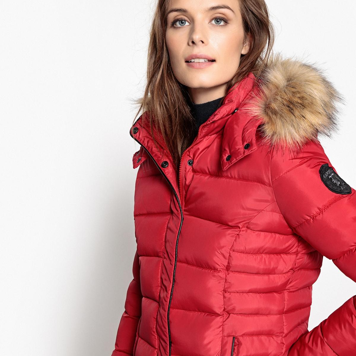 Куртка стеганая с капюшономДетали •  Длина  : средняя  •  Капюшон  •  Застежка на молнию •  С капюшоном Состав и уход •  100% полиэстер •  Следуйте советам по уходу, указанным на этикетке<br><br>Цвет: бордовый,синий морской,черный<br>Размер: XL.L