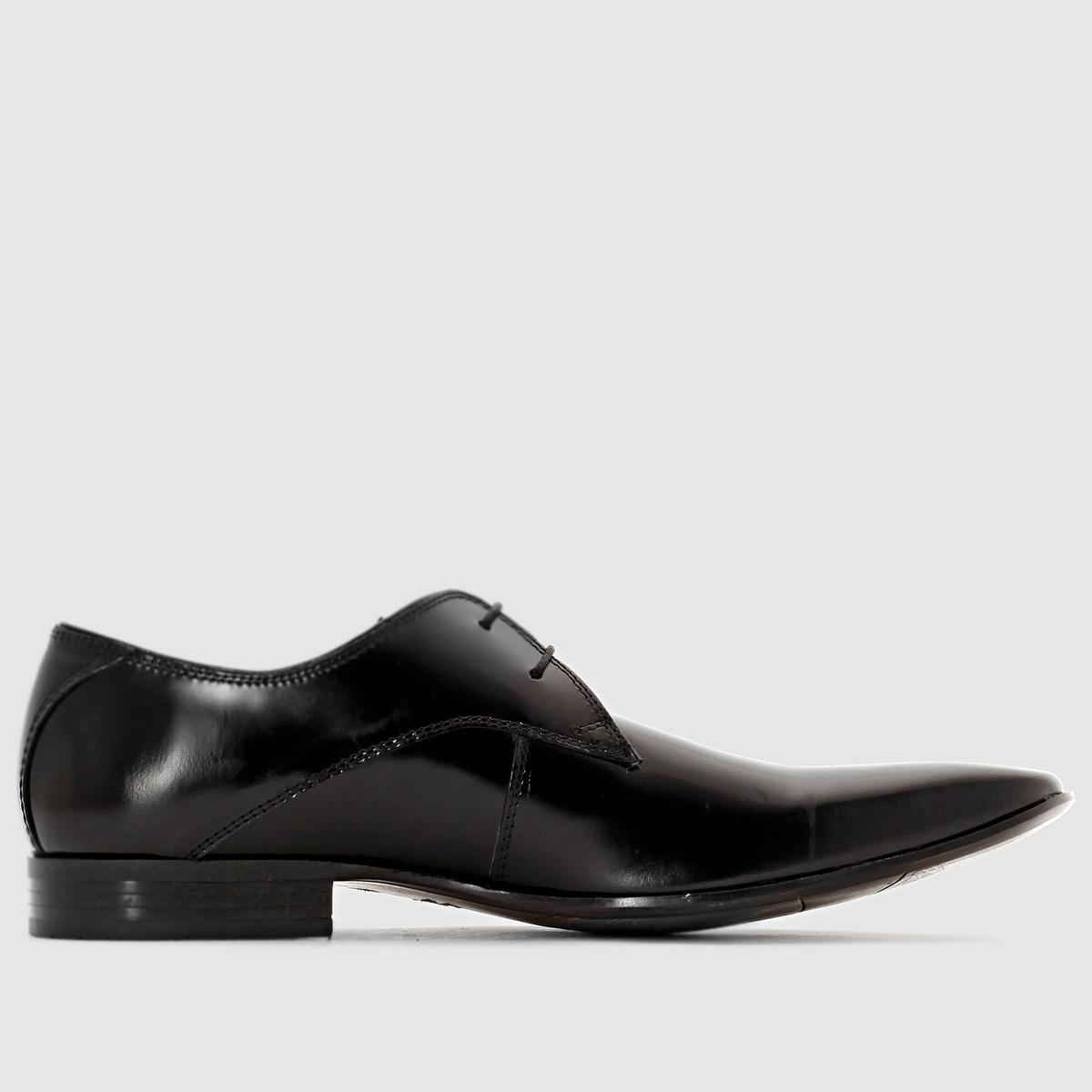 Ботинки-дерби кожаные на шнуровкеКожаные ботинки-дерби на шнуровке, модель Pekani от Redskins.Верх: коровья кожа. Подкладка: кожа и текстиль. Стелька: кожа. Подошва: эластомер. Застежка: на шнуровке. Высота каблука: 1,5 см Великолепная обработка кожи от Redskins - характер и элегантность... Городские ботинки-дерби, которые будут сопровождать ваши шаги своей шикарностью и стилем!<br><br>Цвет: черный