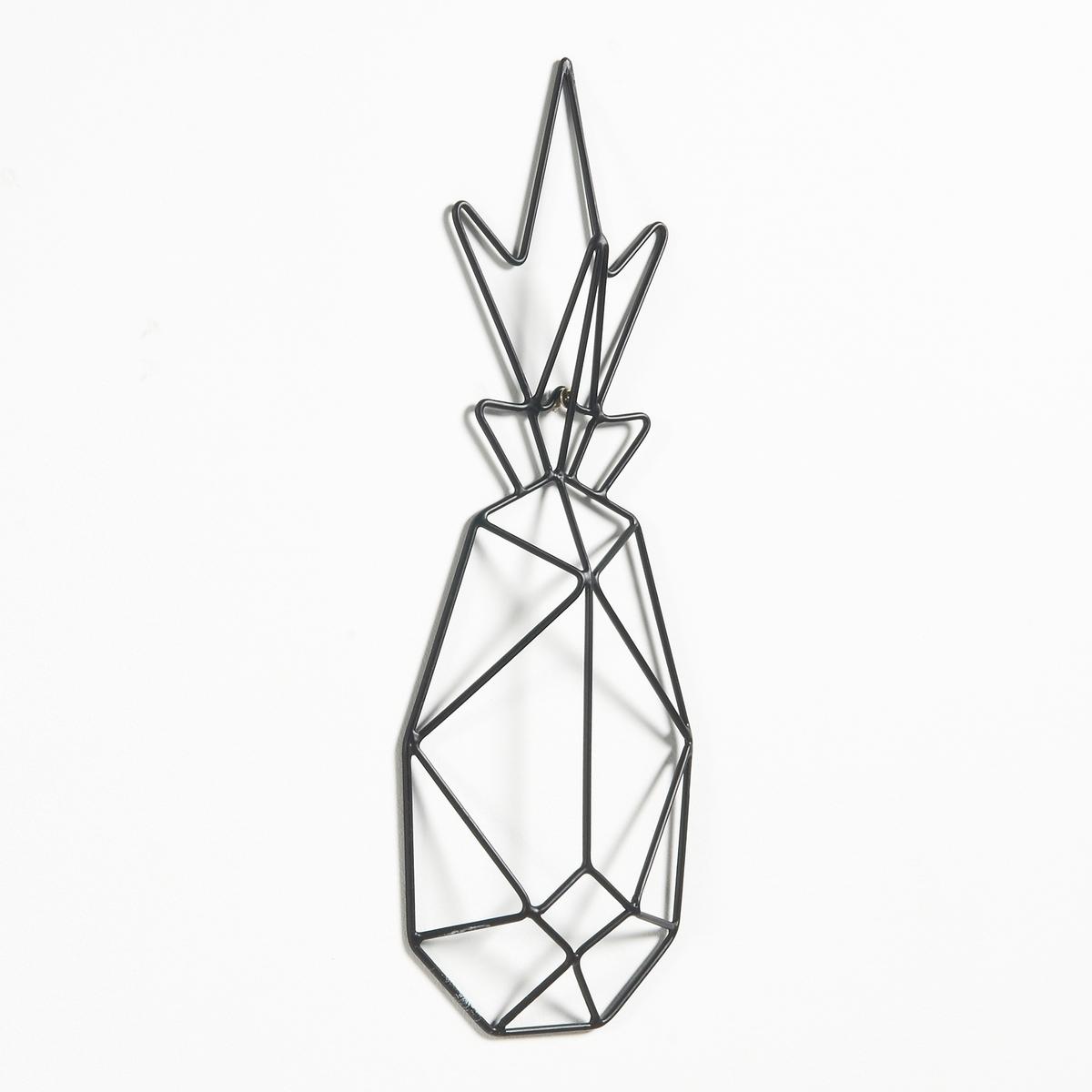 Декоративная фигура на стену ананас из металлической проволокиХарактеристики декоративной фигуры в форме ананаса Xatina :Каркас из проволоки покрыт эпоксидной краской.Другие предметы декора на сайте laredoute.ru.Размеры декоративной фигуры в форме ананаса Xatina :Ш 13 x В 34 x Г 2,5 см<br><br>Цвет: латунь,черный<br>Размер: единый размер