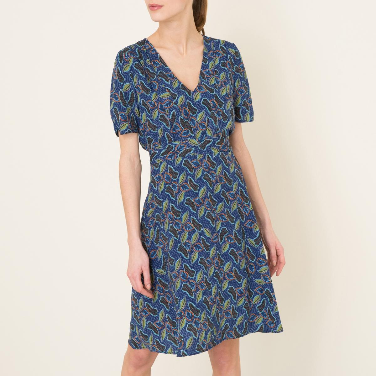 Платье VIVALDIСостав и описание Материал : 100% полиэстерДлина : 100 см. для размера 36Марка : LA BRAND BOUTIQUE<br><br>Цвет: рисунок темно-синий<br>Размер: S