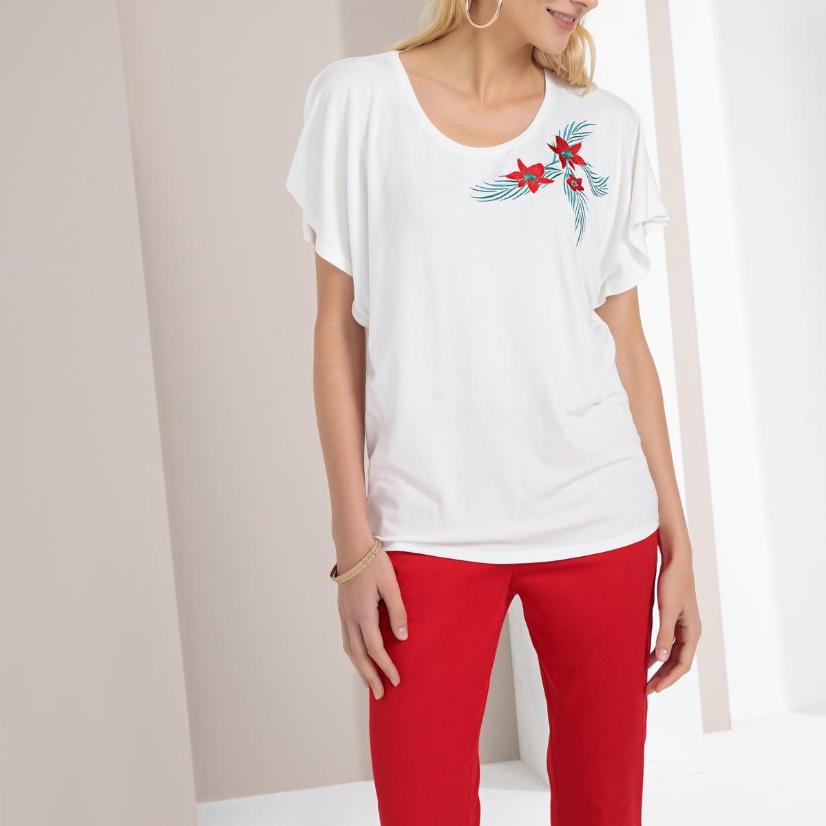 T-shirt de gola redonda, bordado aplicado