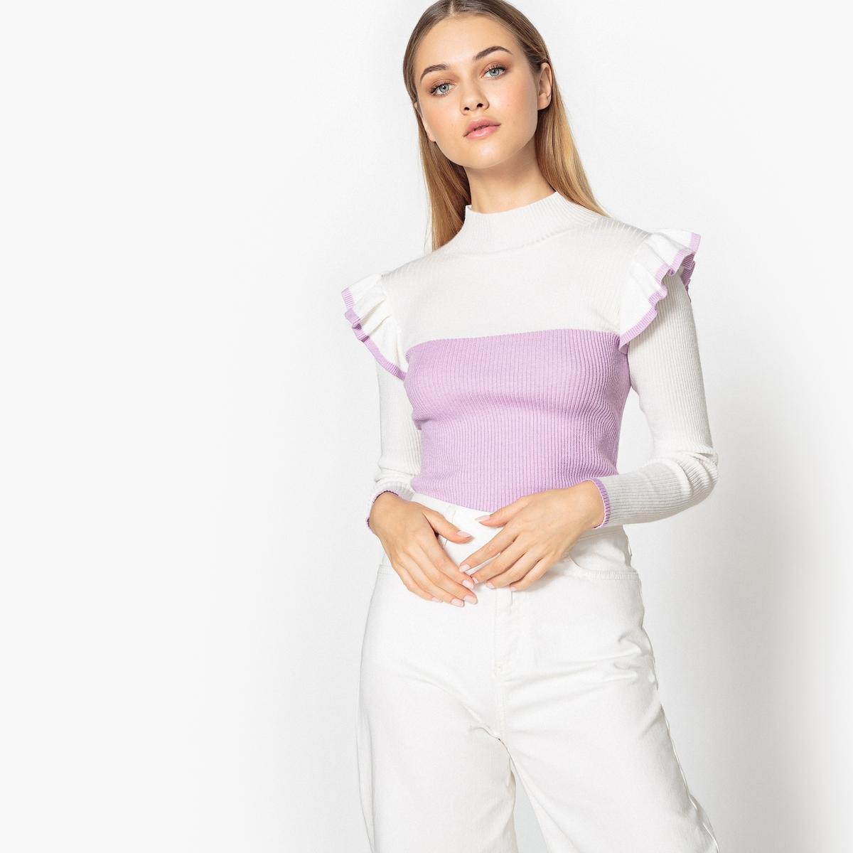 Пуловер двухцветный с воротником-стойкой и воланами
