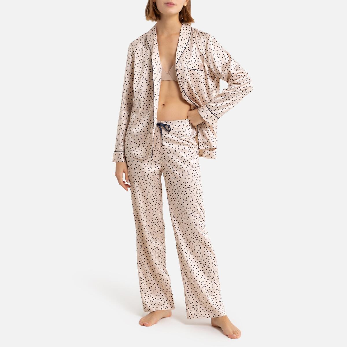 Pijama de satén con estampado de lunares