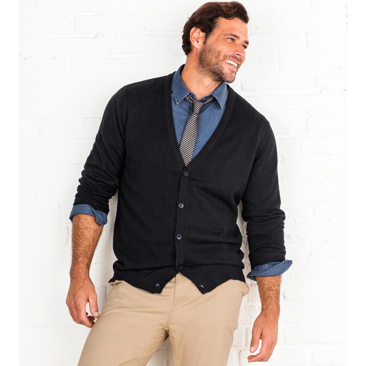 Рубашка из денимаРубашка из денима. Длинные рукава. 2 накладных нагрудных кармана с клапанами на пуговице. Застёжка на металлические кнопки. Складка для большего комфорта сзади. Закругленные полочки. Деним, 100% хлопка. Длина 85 см .<br><br>Цвет: синий индиго потертый<br>Размер: 45/46.53/54