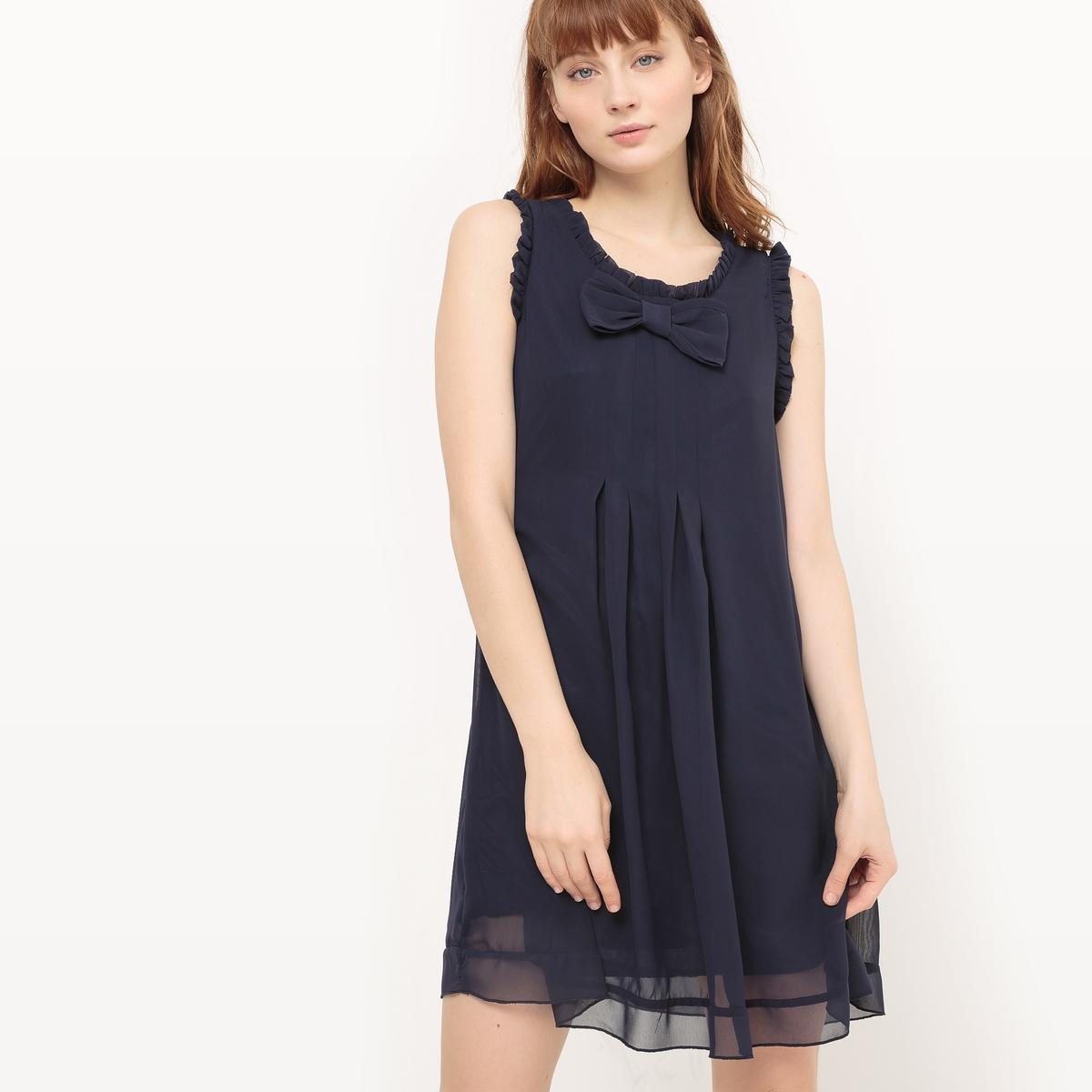 Платье короткое с бахромой и бантом спередиДетали  •  Форма :прямая •  Укороченная модель •  Без рукавов    •  Круглый вырезСостав и уход  •  100% полиэстер • Следуйте рекомендациям по уходу, указанным на этикетке изделия<br><br>Цвет: темно-синий