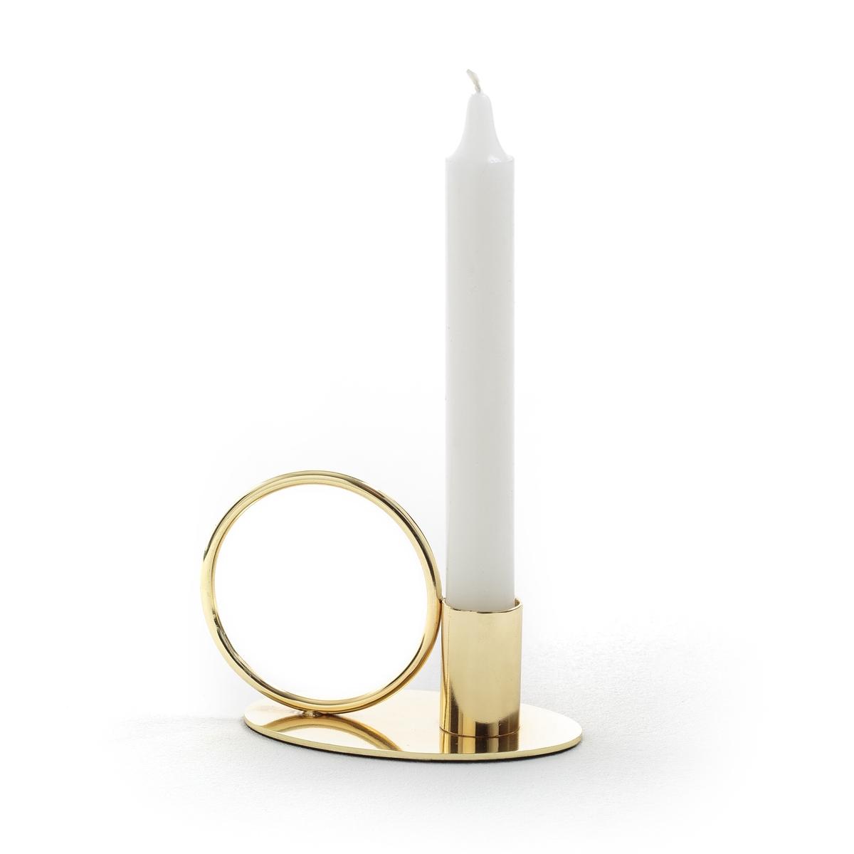 Подсвечник из металла ALWYNПодсвечник из металла  Alwyn . Красивая вещица для ценителей декора .Описание подсвечника Alwyn:Подсвечник из металла под латунь+ подставка для свечи ?2 см Размеры подсвечника Alwyn:8.5x11x7 см<br><br>Цвет: латунь<br>Размер: единый размер