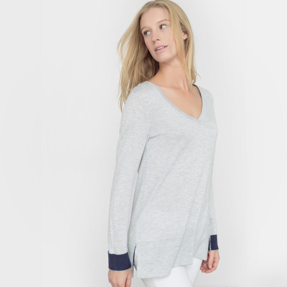 Пуловер с двухцветными отворотами, шерсть в составеПуловер с V-образным вырезом. Свободный покрой. Длинные рукава с контрастными отворотами. Контрастная внутренняя часть воротника. Состав и описание :Марка : R Essentiel.Материал : 50% вискозы, 40% акрила, 10% шерсти мериноса.Длина : 66 см100% применяемой шерсти мериноса получено без процедуры мьюлесинга, что гарантирует благополучие животных.Уход :Машинная стирка при 30 °C на деликатном режимеСтирать с вещами схожих цветов Утюжить на низкой температуре с изнаночной стороныБарабанная сушка запрещена.<br><br>Цвет: красный,серый меланж,черный<br>Размер: 38/40 (FR) - 44/46 (RUS).42/44 (FR) - 48/50 (RUS)