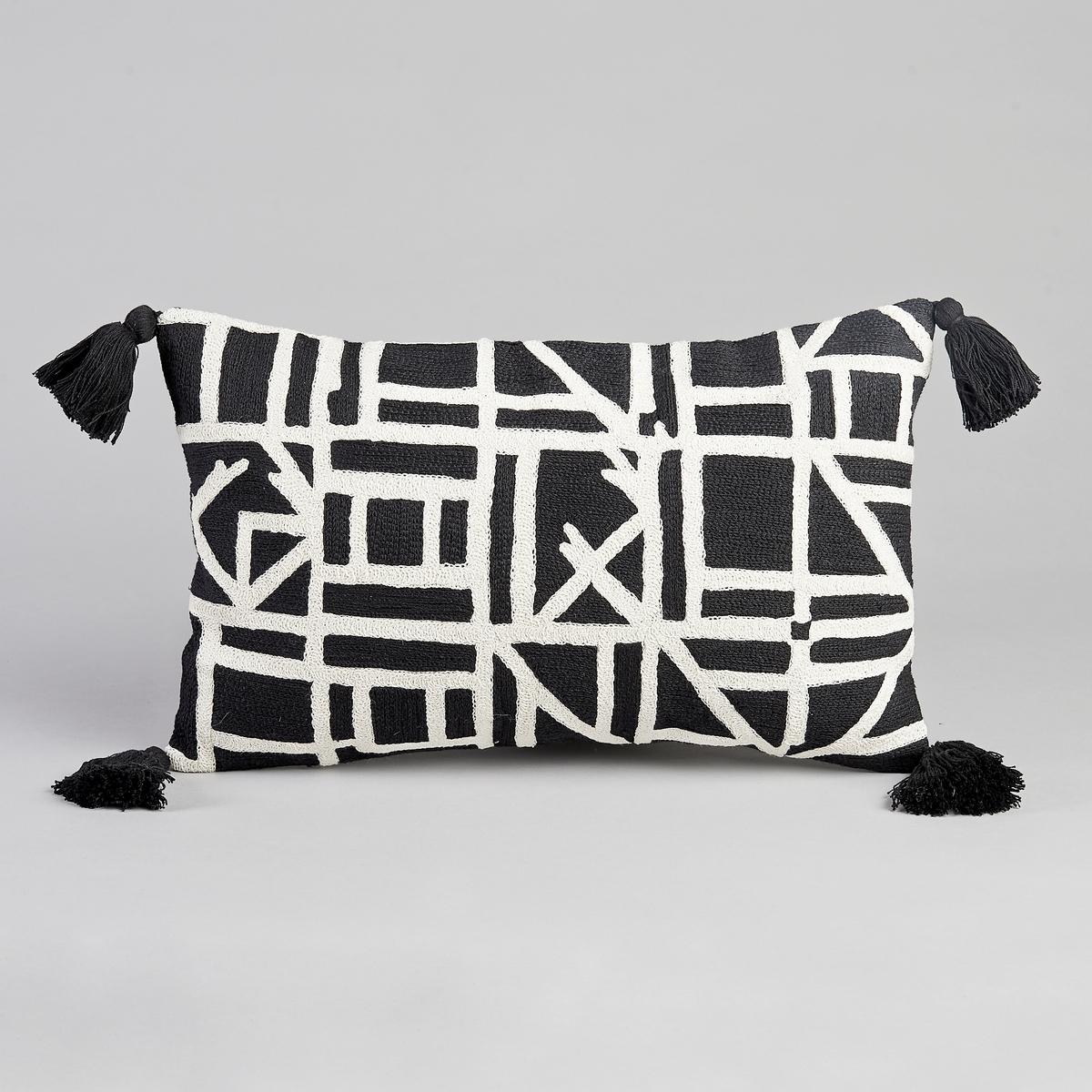 Чехол для подушки AstiusЧехол для подушки Astius. Черно-белый рисунок. 100% хлопок с вышивкой из 100% акрила. 4 помпона. Скрытая застежка на молнию. Размеры. : 50 x 30 см. Подушка продается на сайте отдельно.<br><br>Цвет: черный/ белый<br>Размер: 50 x 30 см
