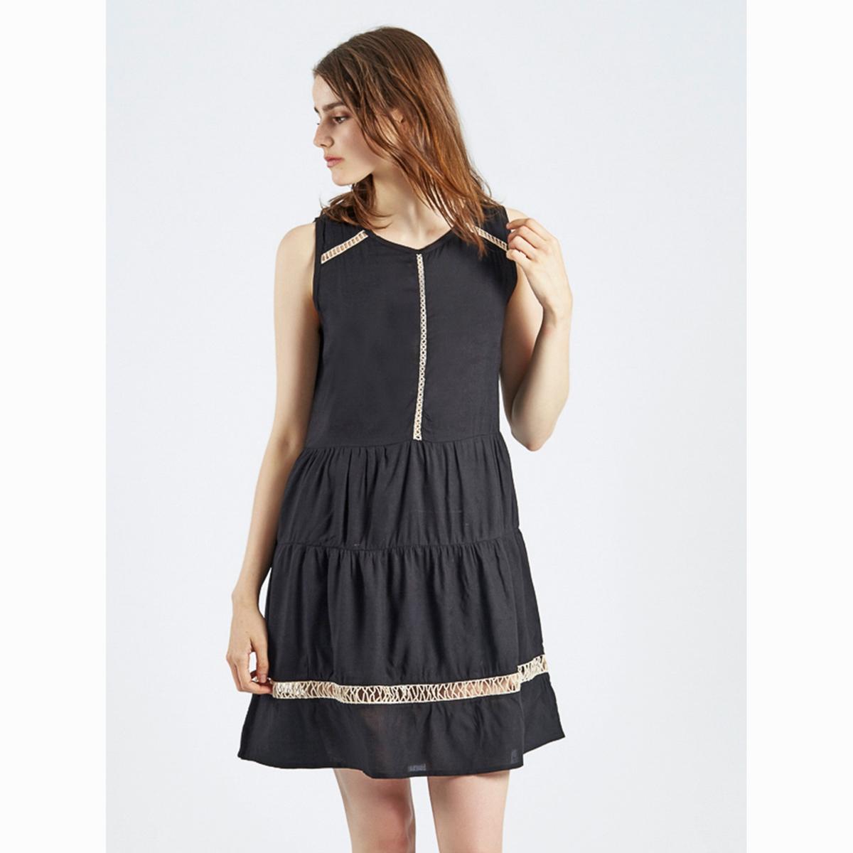 Платье без рукавов Vestido CillianСостав и описаниеМатериал : 100% вискозаМарка : Compania FantasticaМодель :Vestido CillianУходСледуйте рекомендациям по уходу, указанным на этикетке изделия<br><br>Цвет: черный<br>Размер: XS.M