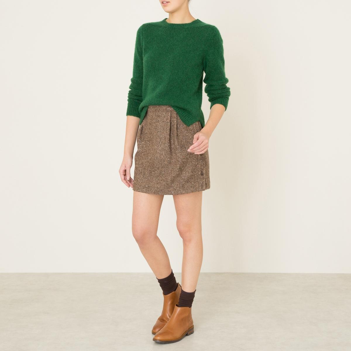 Юбка короткая AGATHEКороткая юбка SOEUR - модель AGATHE. Из шерстяного драпа в крапинку. Вытачки на поясе. Застёжка на пуговицы сбоку.Состав и описание Материал : 64% шерсти, 22% полиамида, 12% шелка, 2% других волоконМарка : SOEUR<br><br>Цвет: охра