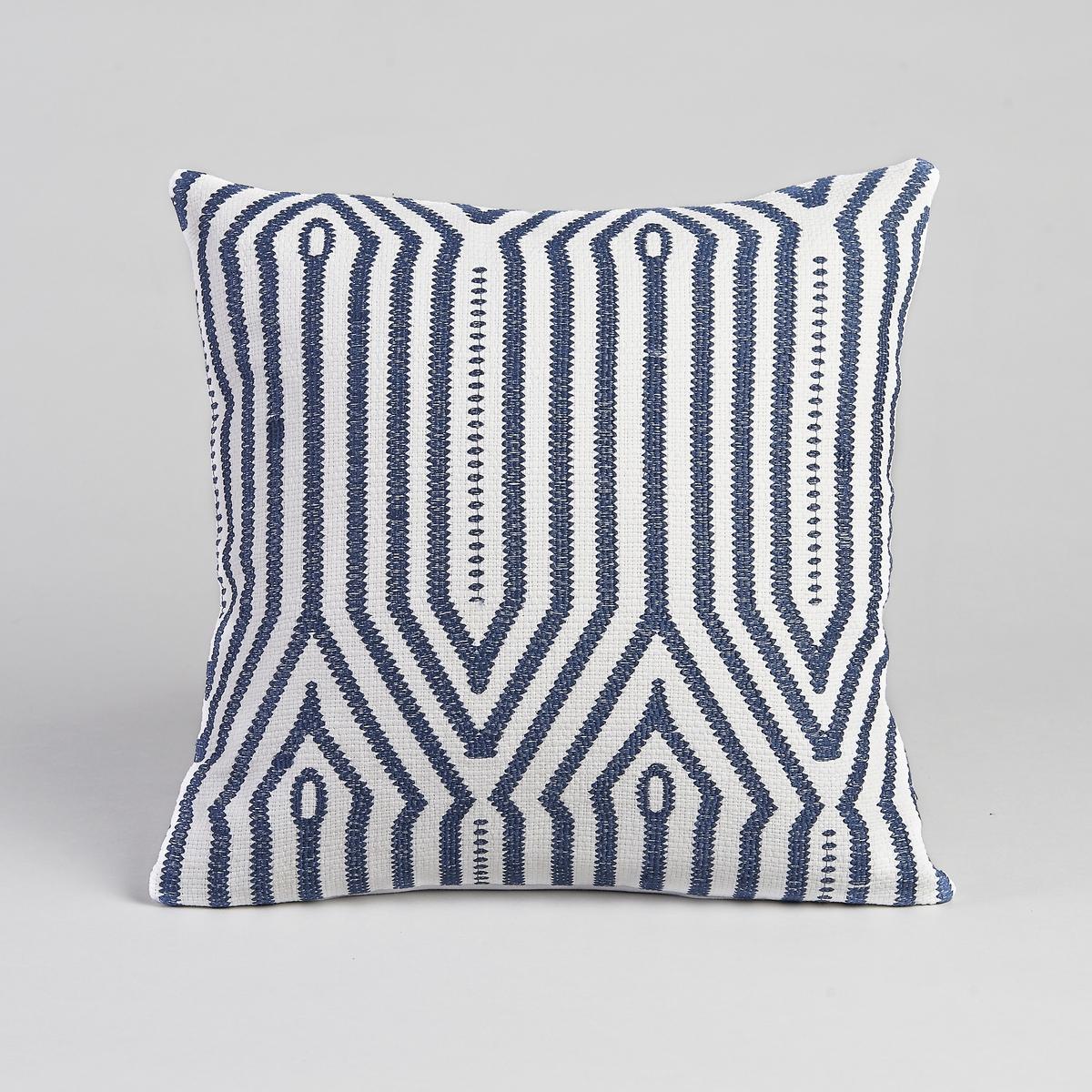 Чехол для подушки ZatymЧехол для подушки Zatym. Графичная вышивка цвета экрю и синего цвета. Застёжка на скрытую молнию сзади. 100% хлопок с вышивкой. Машинная стирка при 30 °C. Размер : 40 x 40 см.<br><br>Цвет: экрю/ синий<br>Размер: 40 x 40  см