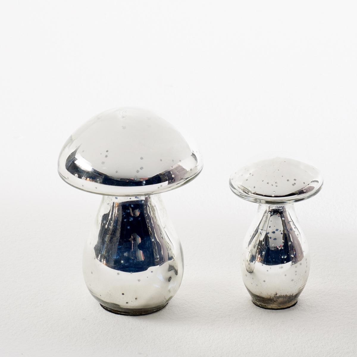 2 гриба из ртутного стекла, EldaХарактеристики грибов Elda :Изготовлены из ртутного стекла .Ножка из фетрина.грибы разного размера .Найдите коллекцию Elda и другие предметы декора на сайте laredoute.ruРазмеры грибов Elda :Маленький ?5,6 x Выс10 см+Большой ?9 x Выс13 см<br><br>Цвет: серый серебристый