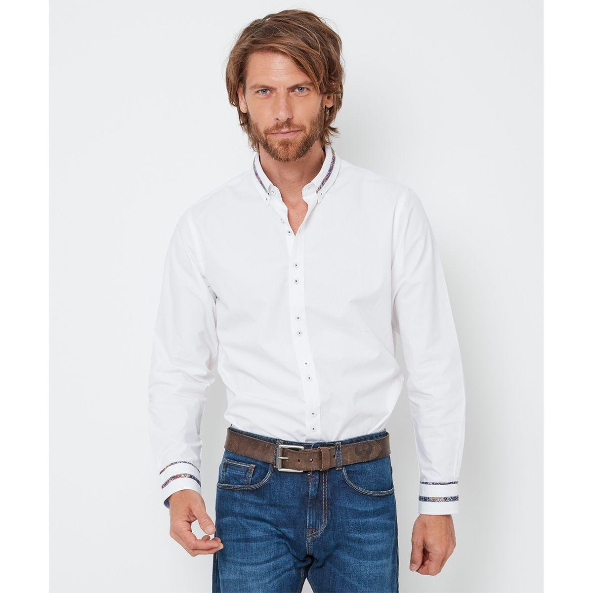 Chemise élégante à col cassé boutonné