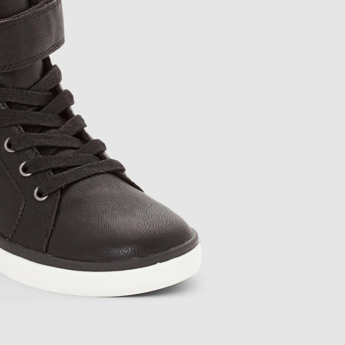 Кеды высокие на шнуровке и застежке-липучкеКеды высокие на шнуровке и застежке-липучке, abcd R .Верх: синтетика. Подкладка: текстиль.Стелька : текстиль.Подошва: эластомер.Застежка : на шнуровке и планке-велкро Красивая неотделанная кожа, большая планка-велкро и стильный дизайн : высокие кеды, которые выглядят современно !<br><br>Цвет: черный<br>Размер: 31.26.27
