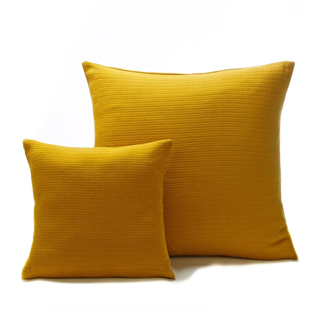 Чехол на подушку IlhowЧехол на подушку Ilhow с модным тисненым узором.Характеристики чехла на подушку Ilhow :- 100% хлопок.- Застежка на молнию.<br><br>Цвет: желтый горчичный,зеленый,серый<br>Размер: 65 x 65  см.65 x 65  см.65 x 65  см