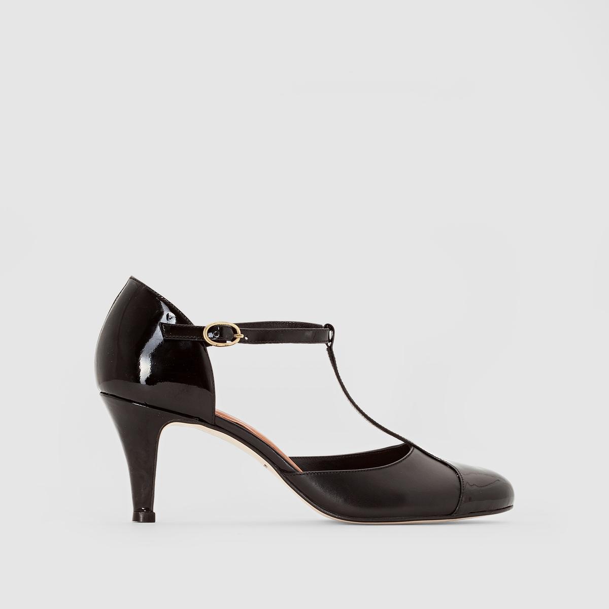 Туфли кожаные лакированные на каблуке 10714Подкладка : Кожа   Стелька: Кожа   Подошва: эластомер   Высота каблука: 8 смФорма каблука : Тонкий каблук   Носок : ЗакругленныйЗастежка: Ремешок/пряжка<br><br>Цвет: Черный лак<br>Размер: 40