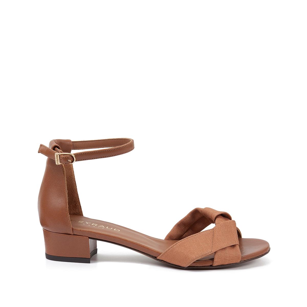 Босоножки кожаные EleanaВерх : кожа   Подкладка : кожа   Стелька : кожа   Подошва : кожа   Высота каблука : 2 см   Форма каблука : плоский каблук   Мысок : закругленный мысок   Застежка : ремешок<br><br>Цвет: коньячный<br>Размер: 40