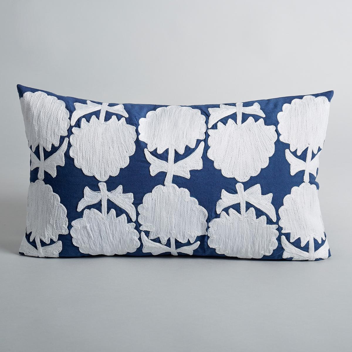 Чехол для подушки Edr?aМатериал :- 100% хлопок- Вышивка с цветочными мотивами 100% акрилРазмеры : - 50 x 30 см.<br><br>Цвет: синий/ белый<br>Размер: 50 x 30 см