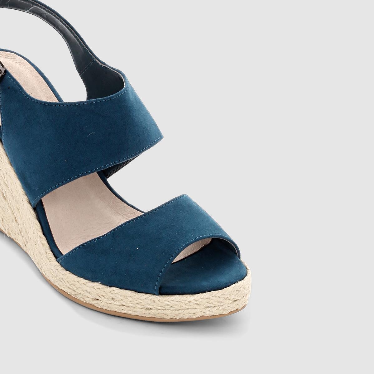Sandálias em tecido