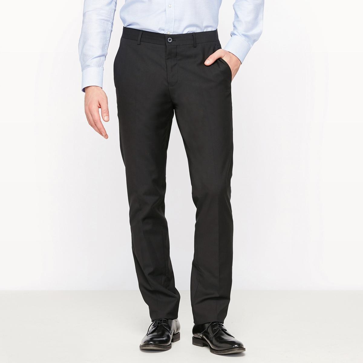 Брюки костюмные прямого покрояБрюки костюмные. Прямой покрой. 2 боковых кармана, 2 прорезных кармана сзади. Шлевки для ремня. Застёжка на молнию и пуговицу.Состав и описаниеМатериалы : 80% полиэстера, 20% вискозы Длина по внутр.шву : 85 см - Ширина по низу: 19,5 смМарка :      R ?ditionУходРекомендуется сухая чистка<br><br>Цвет: черный<br>Размер: 40 (FR) - 46 (RUS).52 (FR) - 58 (RUS).42 (FR) - 48 (RUS).44 (FR) - 50 (RUS)
