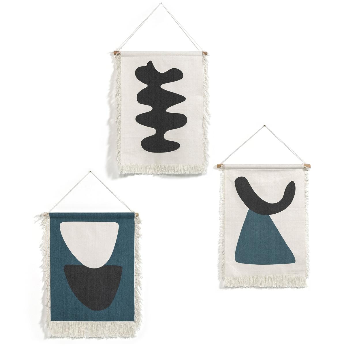 Подвесное настенное панно MariniaraДекоративное настенное панно Mariniara. В стиле настенных ковров, подвесное, из 100% цветного хлопка.3 разных рисунка Вы найдете на сайте. Отделка бахромой. Багет из сосны, отделка шнуром из хлопка. Разм. : шир. 50 x В.70 см.<br><br>Цвет: разноцветный