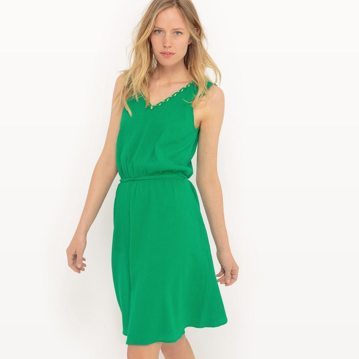 Платье до колен, рукава с воланамиМатериал : 100% хлопок    Подкладка : 100% хлопок    Длина рукава : без рукавов     Форма воротника : V-образный вырез    Покрой платья : расклешенное платье    Рисунок : однотонная модель     Особенность платья : волан    Длина платья : до колен    Стирка : машинная стирка при 40 °С в деликатном режиме    Уход: : сухая чистка и отбеливание запрещены    Машинная сушка : в умеренном режиме    Глажка : не гладить<br><br>Цвет: зеленый<br>Размер: 46 (FR) - 52 (RUS).44 (FR) - 50 (RUS)