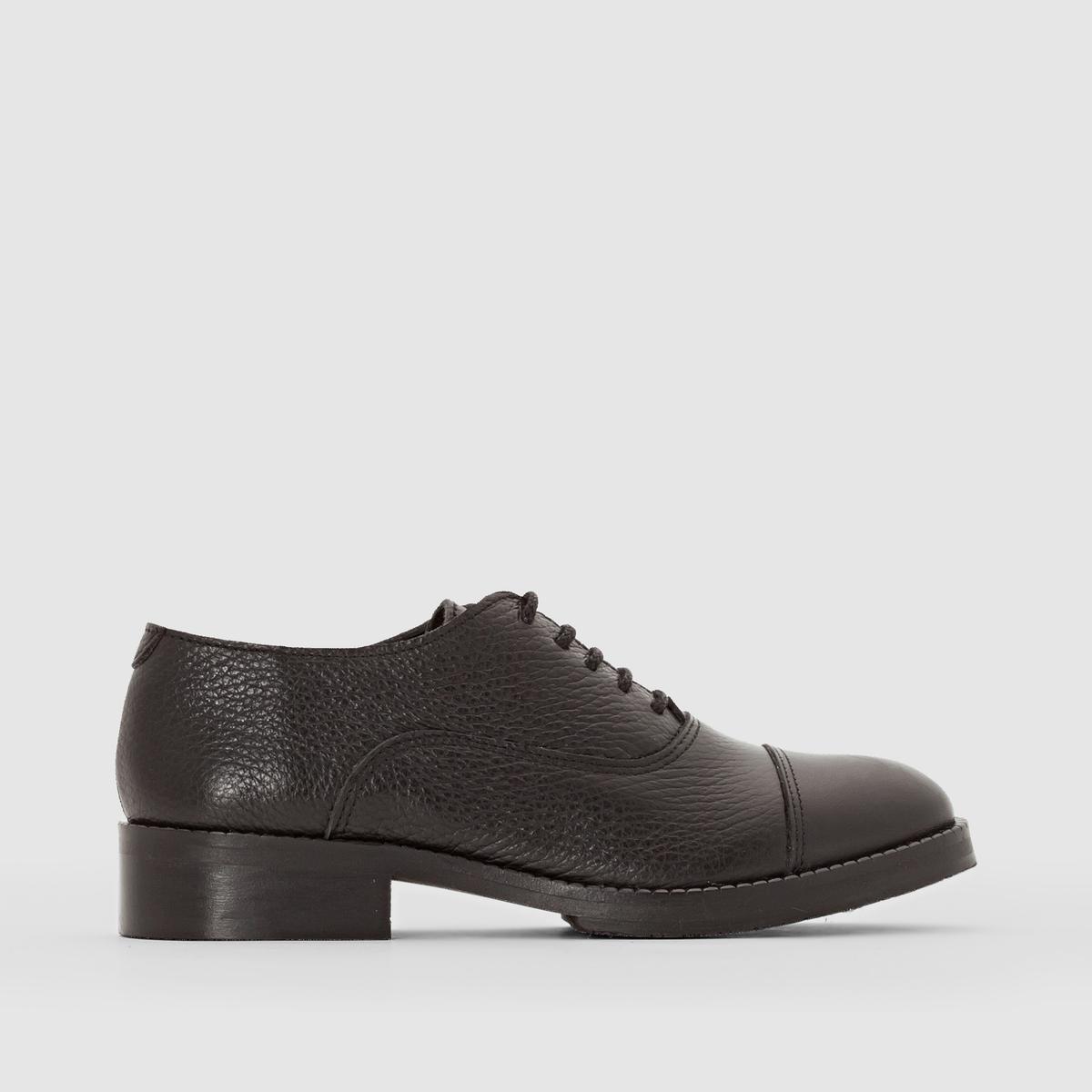 Ботинки-дерби блестящие GEMMAВерх/Голенище : кожа                Подкладка : кожа          Стелька  : кожа          Подошва : Каучук.   Форма каблука : плоский каблук         Мысок : закругленный          Застежка : Шнуровка         Преимущества : Марка детской обуви от фирмы JONAK<br><br>Цвет: черный<br>Размер: 36.33