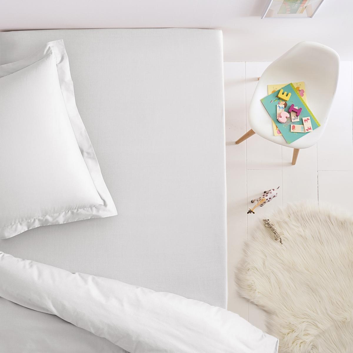 Простыня натяжная из хлопка для детской кроватиВеликолепные расцветки хлопковой натяжной простыни для детской кровати забавно сочетаются с наволочками и пододеяльниками SC?NARIO. Характеристики натяжной простыни для детской кровати:-  Однотонные расцветки можно комбинировать или подбирать к вашему постельному белью в зависимости от настроения и времени года!- 100% хлопка плотного переплетения (57 нитей/см?). Чем больше плотность переплетения нитей/см?, тем качественнее материал.Стирка при 60°.                                                Великолепную цветовую гамму можно сочетать с постельным бельём с рисунком, продающимся на нашем сайте.                                                                                                                                                     Соответствие размеров детской натяжной простыни:                                80 x 190 см: 1-сп..                        90 x 140 см. : раскладная кровать                                    90 x 190 см : 1-сп..                                                                                                                                         Всю коллекцию вы найдёте, набрав SC?NARIO COTON                                                                                                                        Знак Oeko-Tex® гарантирует отсутствие вредных для здоровья веществ в протестированных и сертифицированных изделиях.<br><br>Цвет: антрацит,белый,голубой бирюзовый,желтый солнечный,зелено-синий,красный,розовый,серый жемчужный,сине-зеленый,синий королевский,смородиновый<br>Размер: 80 x 190  см.90 x 190  см.80 x 190  см