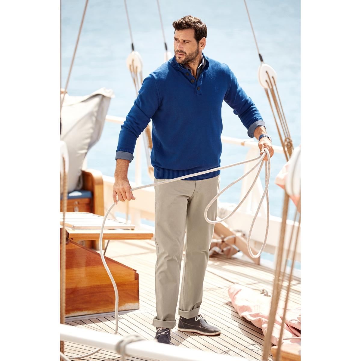 ПуловерыПуловер с воротником-стойкой JP1880. 100% хлопок. Трикотажный пуловер с воротником-стойкой. Мужественный пуловер с прямым воротником контрастного цвета внутри. Планка застёжки на пуговицы, отделка краев в рубчик. Длина в зависимости от размера: от 76 до  90 см<br><br>Цвет: синий<br>Размер: 6XL