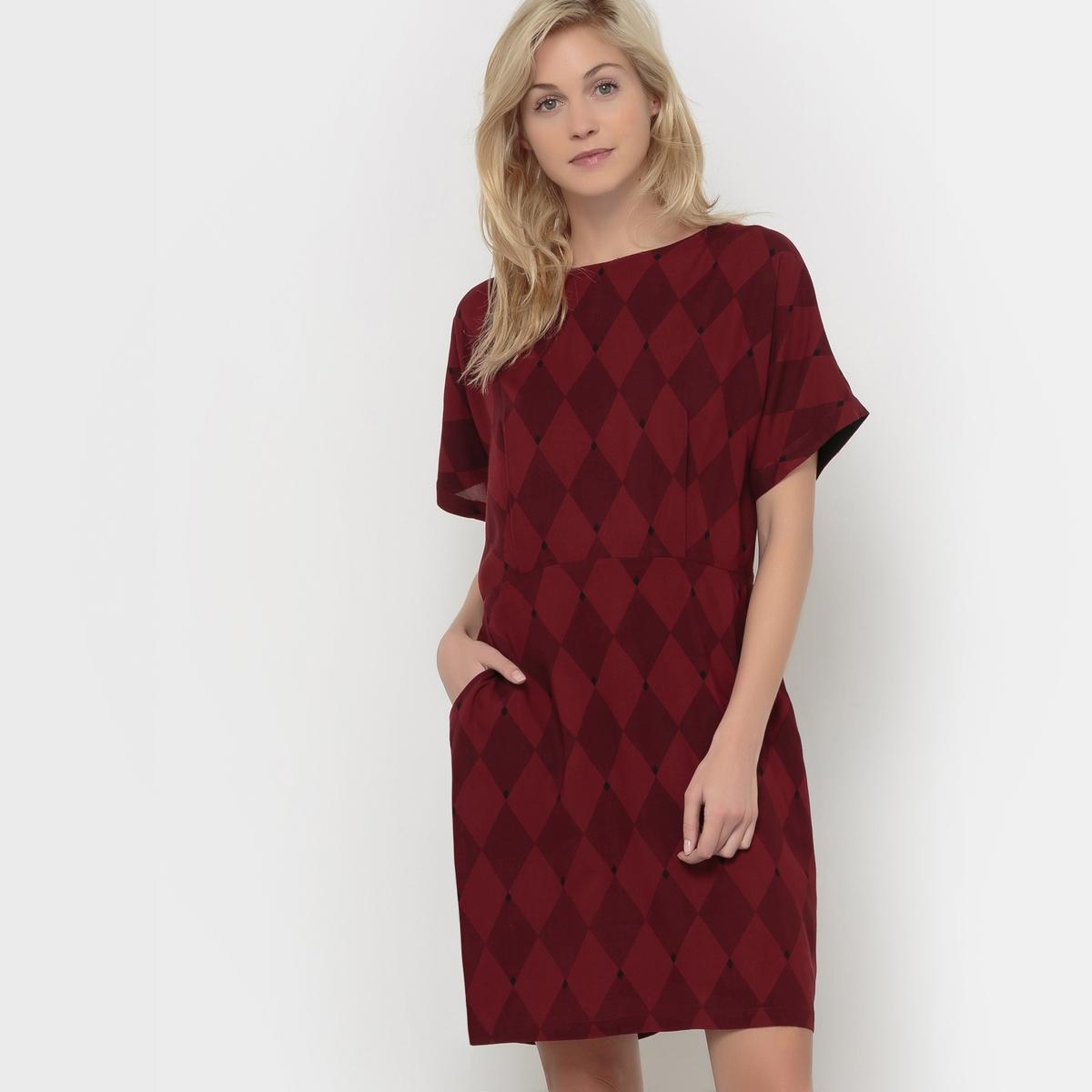 Платье из струящейся ткани с короткими рукавамиСостав &amp; ДеталиМатериал: 100% вискозы       Марка        VERO MODA                     Уход       Следуйте рекомендациям по уходу, указанным на этикетке изделия.<br><br>Цвет: бордовый/рисунок,темно-синий<br>Размер: S.M