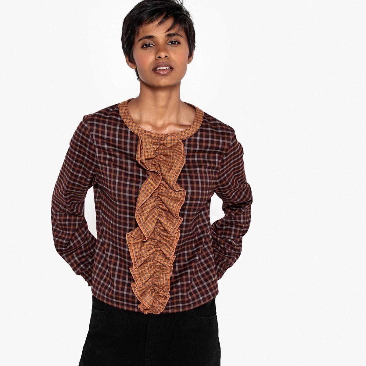 Блузка в клетку с длинными рукавами и воланами