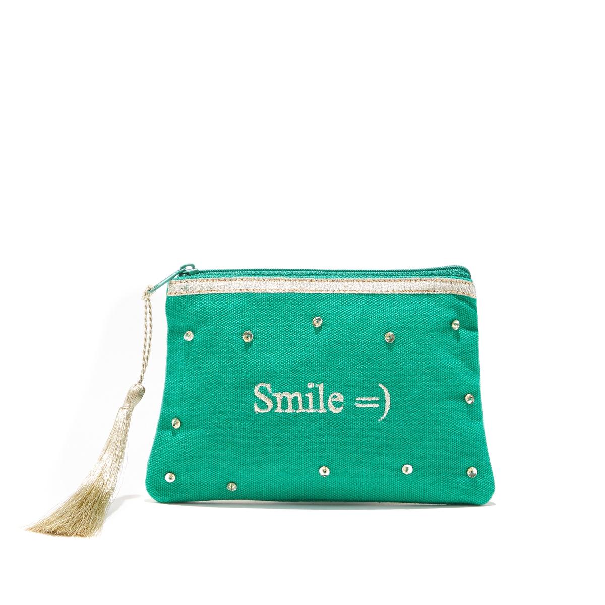 Клатч на молнии с надписьюКлатч на молнии PETITE MENDIGOTE - модель AUDE SMILE из хлопка с вышитой надписью SMILE , с блестящей тесьмой.Детали   •  Застежка на молнию с помпонами •  Размер : 21 x 13 x 1 смСостав и уход  •  100% хлопок •  Следуйте советам по уходу, указанным на этикетке<br><br>Цвет: зеленый