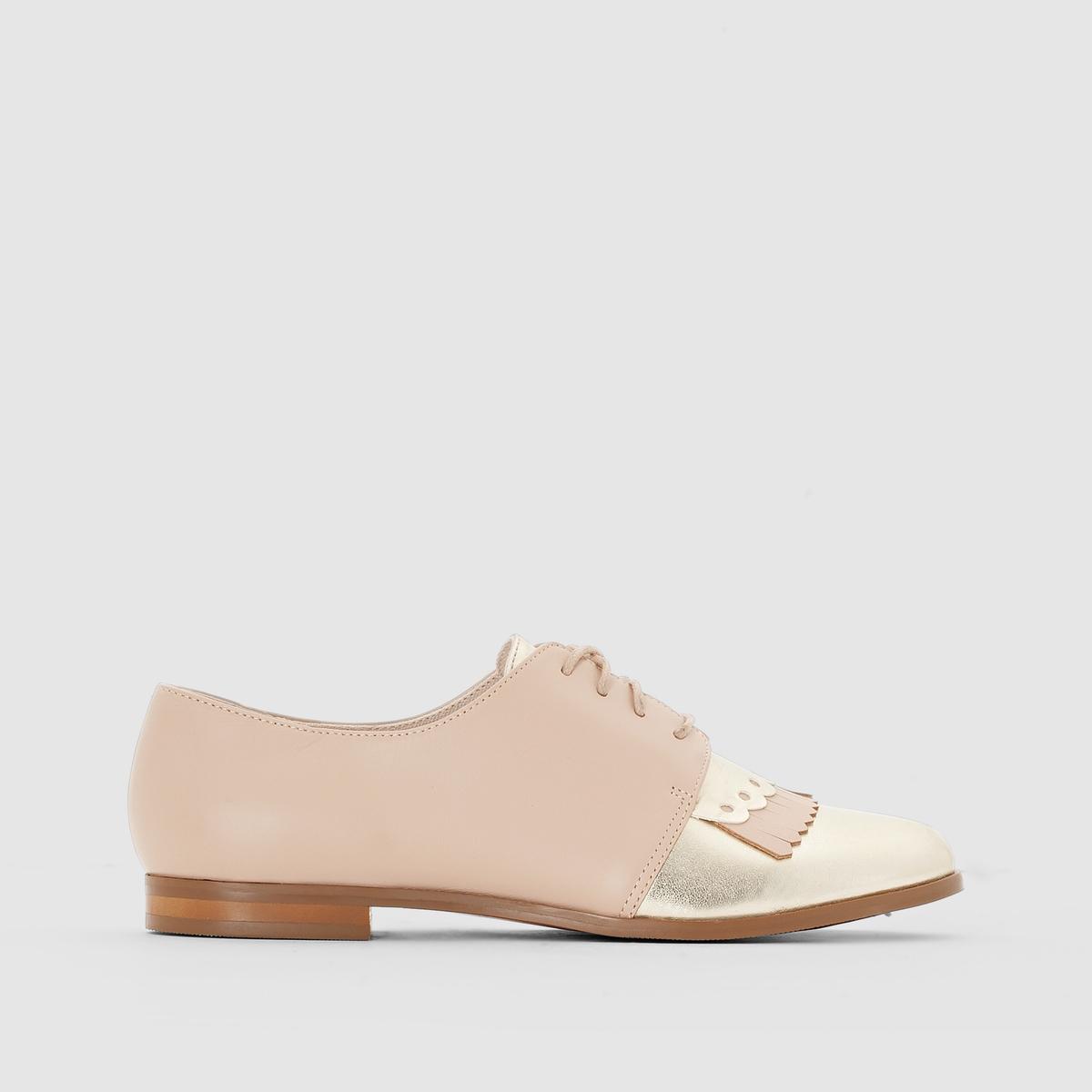 Ботинки-дерби из кожиМы советуем выбирать обувь на размер больше, чем ваш обычный размер Преимущества : эти двухцветные ботинки-дерби слегка напоминают обувь для игры в гольф, золотистый элемент спереди очень изящно будет смотреться с юбкой или с джинсами.<br><br>Цвет: бежевый<br>Размер: 42