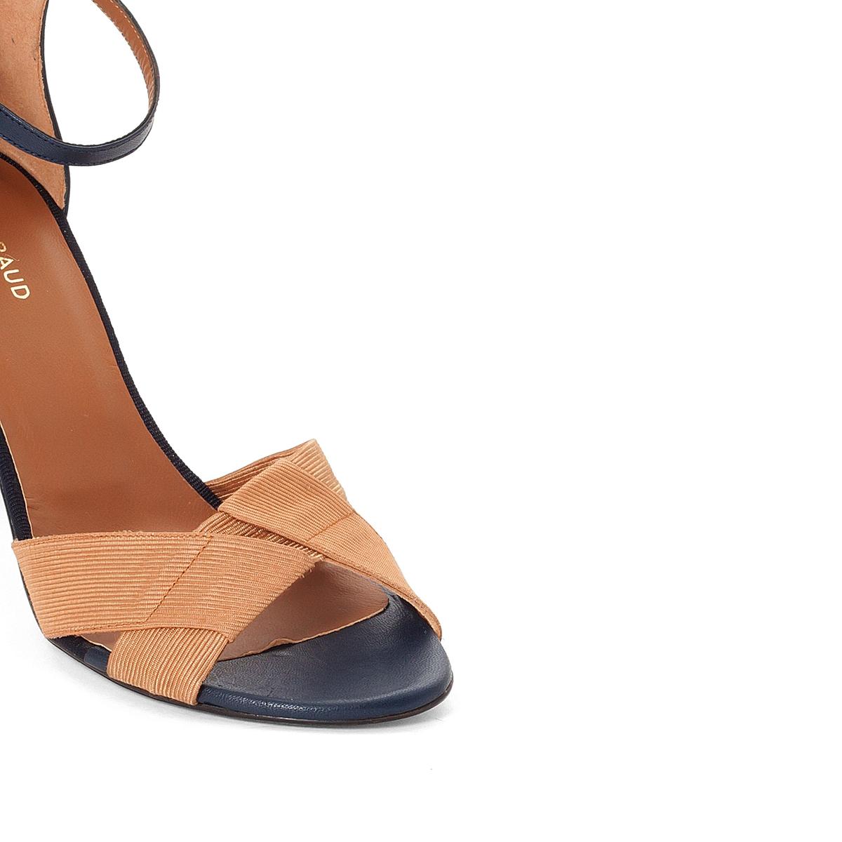 Босоножки кожаные EliaВерх : кожа   Подкладка : кожа   Стелька : кожа   Подошва : кожа   Высота каблука : 8 см   Форма каблука : квадратный каблук   Мысок : закругленный мысок   Застежка : ремешок<br><br>Цвет: темно-синий/темно-бежевый<br>Размер: 36.41