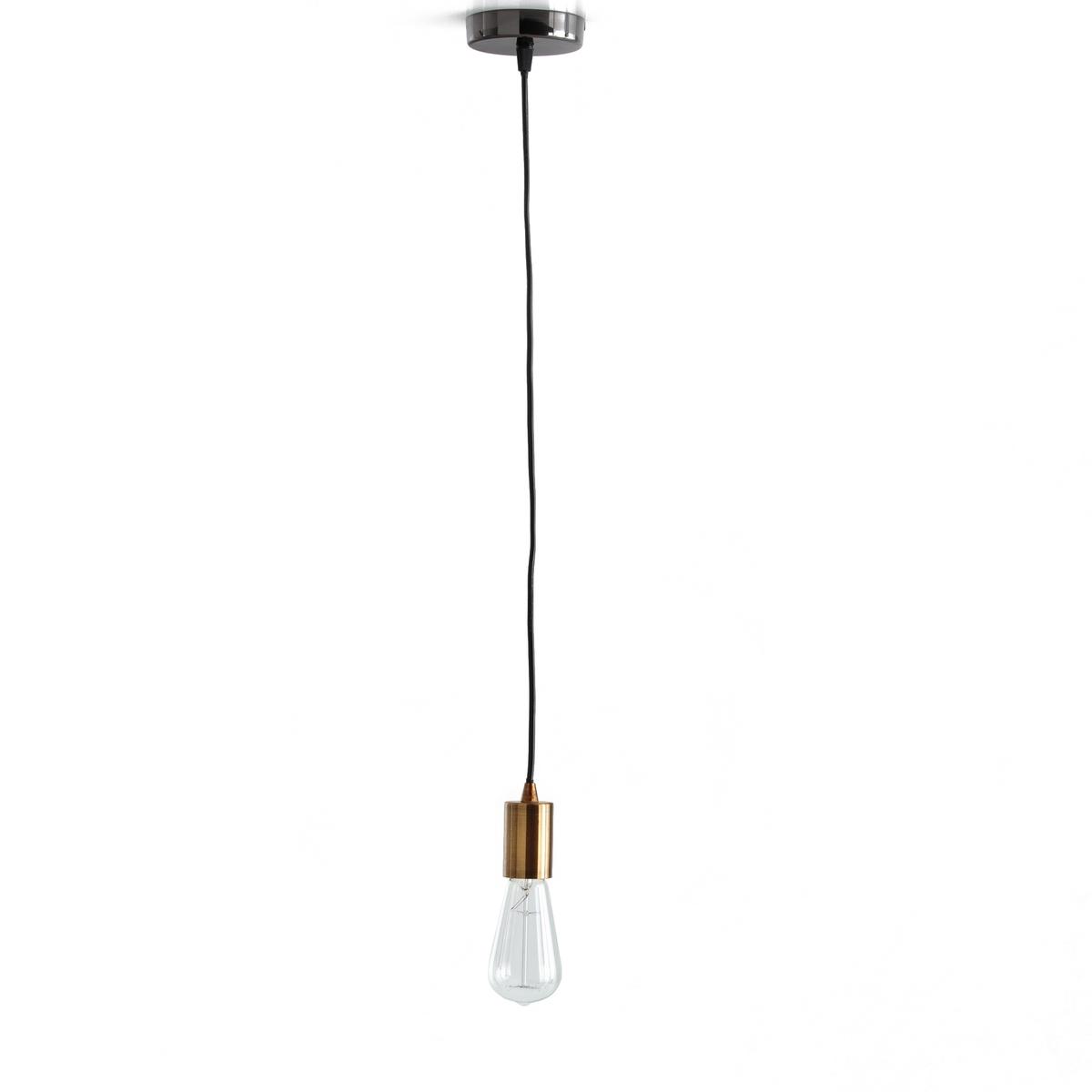 Подвесной патрон из латуни LUXIAГрафический и воздушный подвесной патрон из латуни Luxia создает изящную и очень модную городскую атмосферу!Характеристики подвесного патрона Luxia:Металлический патрон, покрытие латунью, металлическая чашка, покрытая чернью.Основание под цоколь E27 из металла, покрытого чернью, для лампы мощностью 60 Вт макс. (продается отдельно). Энергетический класс от A до E.Без возможности крепления абажураДругие предметы декора Вы найдете на  laredoute.ruРазмеры подвесного патрона Luxia:Кабель черного цвета длиной 1 м.<br><br>Цвет: латунь<br>Размер: единый размер