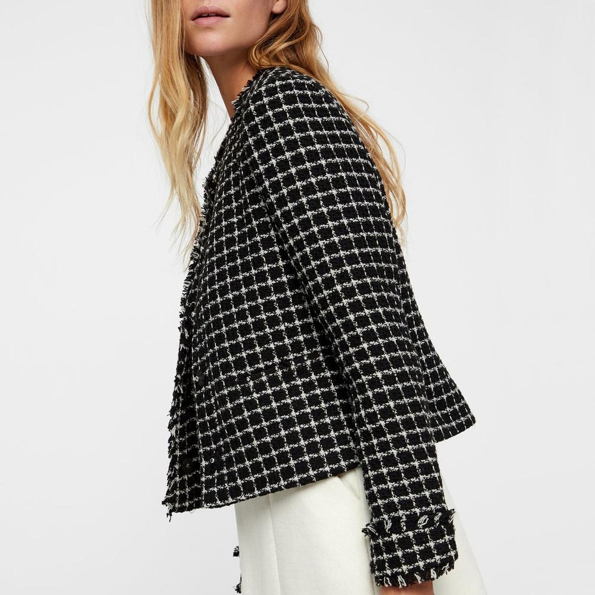 Куртка короткая с круглым вырезом из твида короткая куртка artka wa10331c 2014