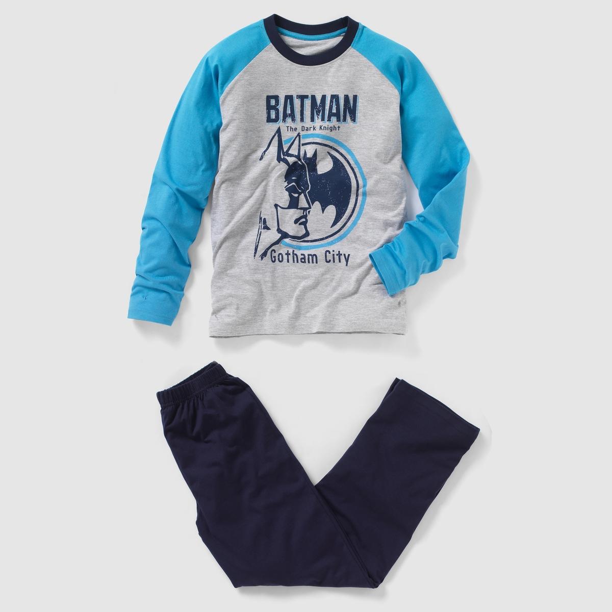 Пижама BATMAN, 10 - 16 летТрехцветная пижама Бэтмен из трикотажа джерси, 100% хлопка. Футболка с длинными контрастными рукавами и контрастным круглым вырезом . Перед и спинка из меланжевого трикотажа с принтом Batman Gotham City спереди. Однотонные брюки с эластичным поясом. Состав и описаниеМарка: BATMAN.Материал: джерси, 100% хлопка.УходСтирать при 30°Cс вещами схожих цветов. Стирать и гладить с изнаночной стороны.Гладить на средней температуре.<br><br>Цвет: серый/ темно-синий