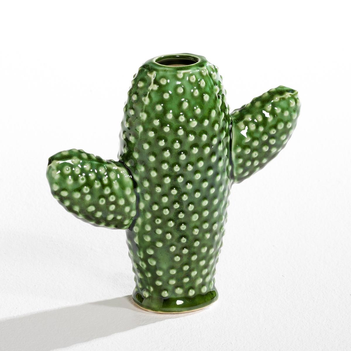 Ваза Cactus, высота 20 см, дизайн М. Михельссен для SeraxВаза Cactus. Творение Мари Михельссен для Serax. Мари Михельссен - дизайнер. Она черпает вдохновение в повседневной жизни и в различных элементах, которые стимулируют ее дух. Ее ощущения претворяются в оригинальные предметы, такие как эта ваза в форме кактуса.Характеристики :- Ваза для одного цветка в форме кактуса с 2 ручками.- Из керамики, покрытой глазурью   .Размеры :- Ш.20 x В.20 x Г.7,5 см.<br><br>Цвет: зеленый