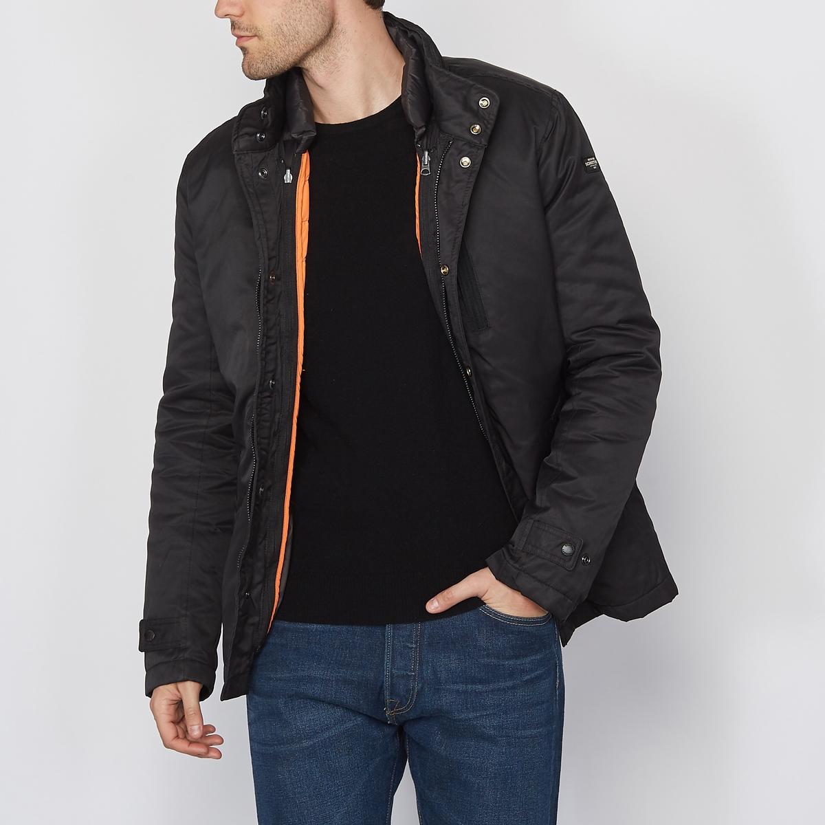 Парка стеганая с эффектом 2 в 1 с капюшономСъемная стеганая подкладка на молнии : 2 стиля в 1 для зимней куртки из ткани черного цвета с контрастной отделкой оранжевого цвета.   Прямой покрой и высокий воротник с застежкой на 2 кнопки    Застежка на молнию и кнопки    Вшитый в воротник капюшон с застежкой на молнию    2 боковых кармана на молнии    Планка застежки на кнопки по низу рукавов    Логотип марки на рукавах<br><br>Цвет: черный<br>Размер: 3XL
