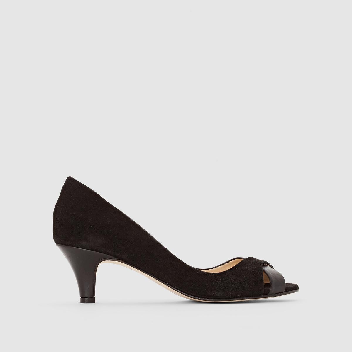 Туфли из двух материалов на каблуке