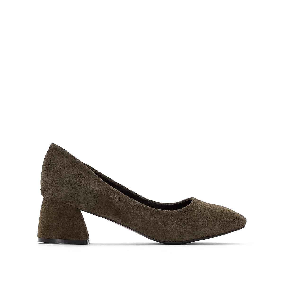 Sapatos com tacão