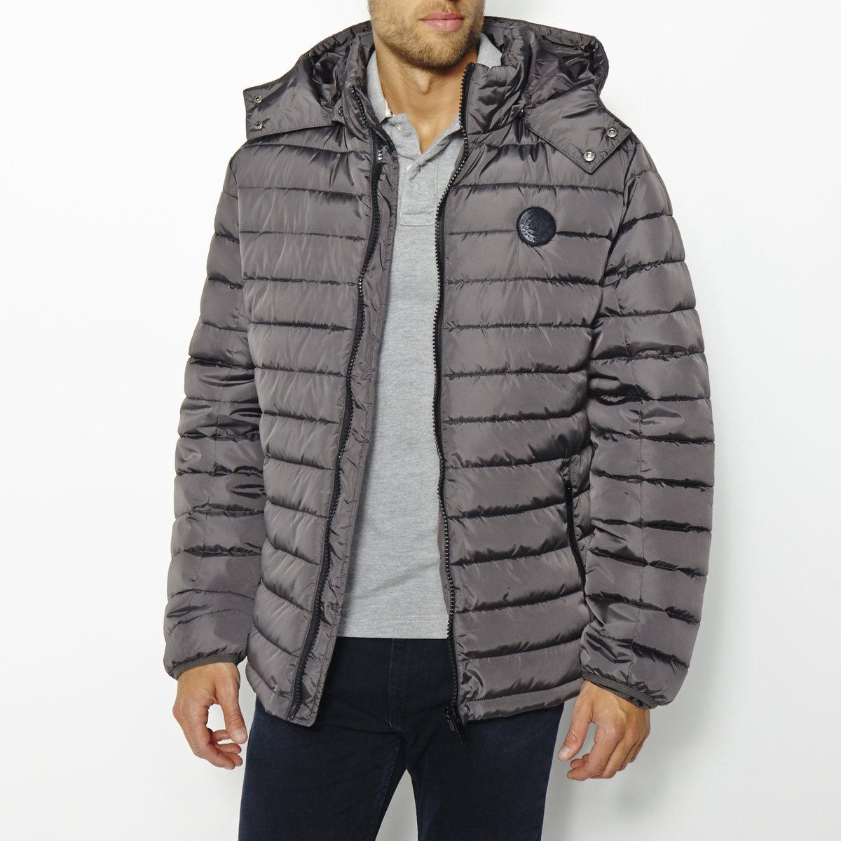 Куртка стеганая BENTIСтеганая куртка BENTI от KAPORAL. 100% полиамид. Подкладка из полиэстера. Съемный капюшон. Длинные рукава. Высокий воротник. Застежка на молнию. 2 кармана с застежкой на молнию. Логотип сзади. Низ на кулиске с фиксаторами.<br><br>Цвет: серый,черный<br>Размер: S.L
