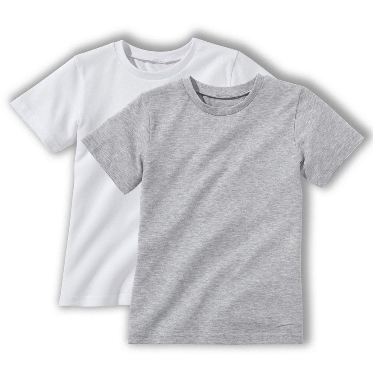 Комплект из 2 однотонных футболок 3-12 летОписание:Детали •  Короткие рукава •  Круглый вырезСостав и уход •  100% хлопок •  Температура стирки 30° •  Сухая чистка и отбеливание запрещены •  Не использовать барабанную сушку •  Низкая температура глажки<br><br>Цвет: белый/серый меланж,красный + белый,черный + серый меланж<br>Размер: 12 лет -150 см.12 лет -150 см.3 года - 94 см.6 лет - 114 см.10 лет - 138 см.5 лет - 108 см.8 лет - 126 см.6 лет - 114 см.4 года - 102 см.5 лет - 108 см.10 лет - 138 см.8 лет - 126 см.6 лет - 114 см.4 года - 102 см