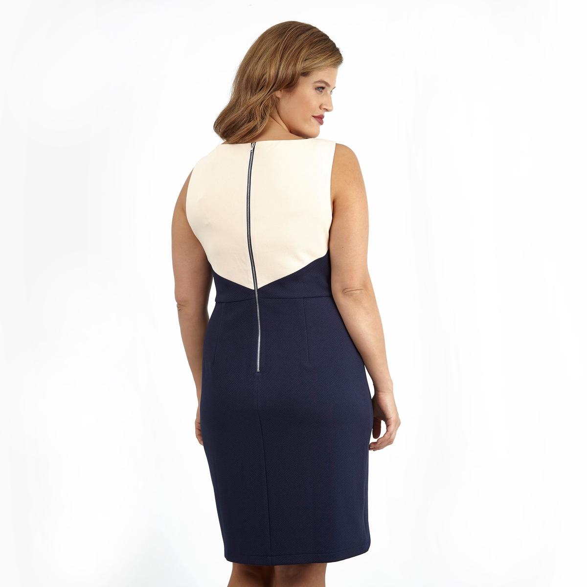 ПлатьеПлатье без рукавов LOVEDROBE. Красивое двухцветное платье. 100% полиэстер.<br><br>Цвет: слоновая кость/синий<br>Размер: 46 (FR) - 52 (RUS)